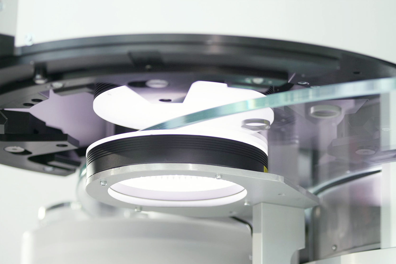 fully automatic camera lens changing system in Zehn by Doss visual solutions